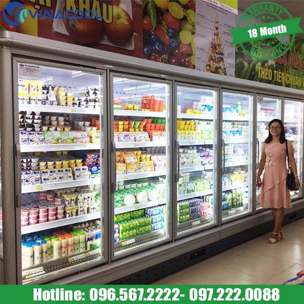 tủ bán rau củ quả trong siêu thị
