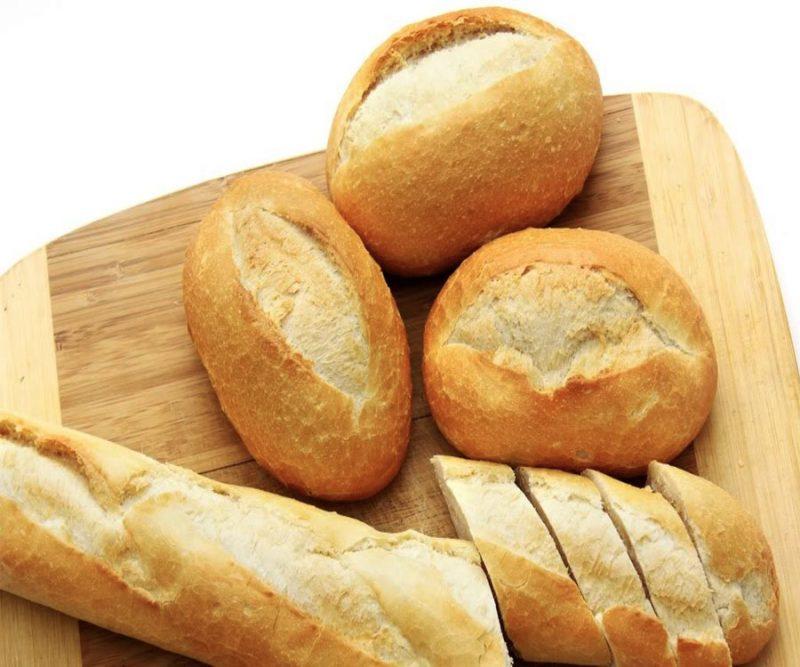 không nên để bánh mỳ trong tủ mát
